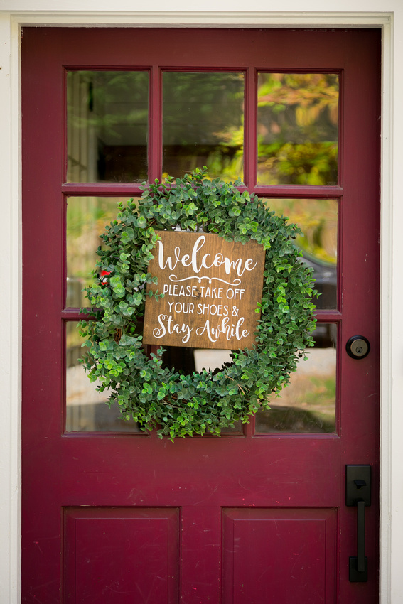 Welcome sign on door